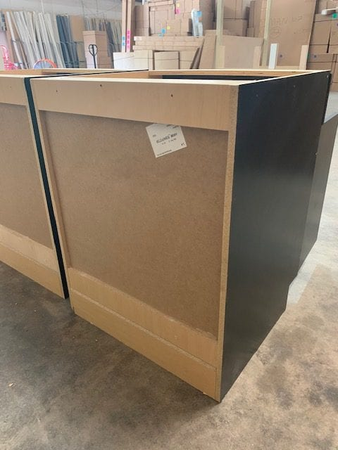 Base Cabinet in Black Backside